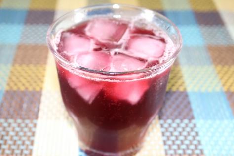 プルーンのワイン煮ソーダ割り